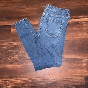 Forever 21 High Rise Skinny Jeans in Size 28